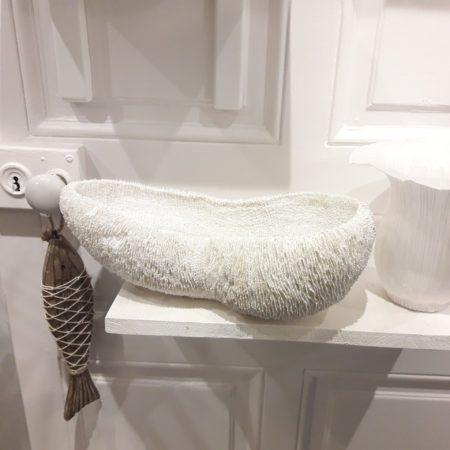 plat corail en résine blanche